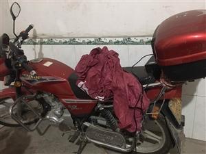 摩托车男士,购买有几年,常年在外就正月骑行过家家,现不想堆家里,转卖出去,有意向可以前来看车