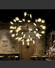 全新荧火虫吊灯,时尚高雅,意大利米兰灯展获奖作品,家庭及小型餐厅装修尾货,仅剩7盏。700元一盏。三...