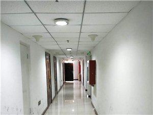 天福广场1室1厅1卫1300元/月