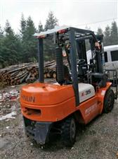 有二手叉车转让,青岛现代K35,3.5吨, 4.5米高,可以倾斜上下各30度,工作了170小时。可议...
