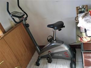 好家庭健身运动车,功能齐全,九成新。原价2400元。电话13582015068。