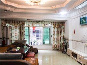 后楼市场楼上3室2厅2卫2200元/月