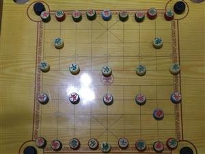 大行象棋盘,因闲置没人玩,便宜转让,尺寸75乘以75的送象棋一套,