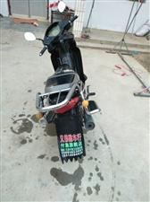 本人有一辆摩托车机器正常110机器铃木发动机,动力正常,需要私聊。