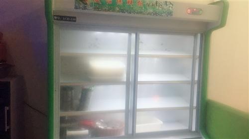 二手展示冰柜低价转让,有需要可以联系18770652399