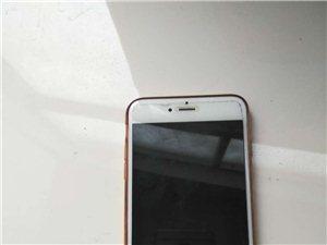 出售苹果6p一台,银色,八九成新,后摄像头已坏,买了新手机就搁置了,有意者可当面验货