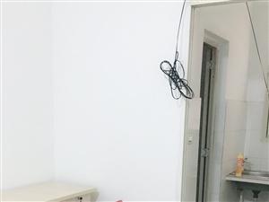 安澜楼公交站1室0厅1卫550元/月