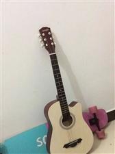 出售全新吉他不管大人小孩都可以玩。吉他音效比较好 弹着也是舒服 手感好 价格便宜优惠。全新吉他...