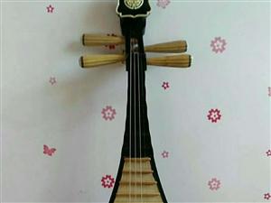 去年买的琵琶,孩子在这方面实在是没有天赋只好出售给有需要的朋友。