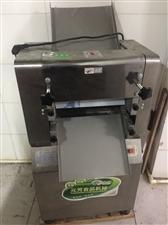 压面机,和面机,冰箱全部都是九成新,全部都是买的新的,全部低价处理,交易地址:慈利光明小区