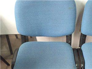 低价出售椅子,坐着特别舒服,一共20个,给钱就卖!