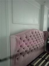 全新1.8*2.0米床转卖! 买成3800元,由于尺寸买大了点点,无法靠墙,只好忍痛转卖! 实物非常...