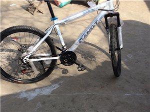 山地车自行车刚买回来就骑两天,小孩外地上学骑不到了,马上又要搬家!现低价转让,买时两千块现在600块...