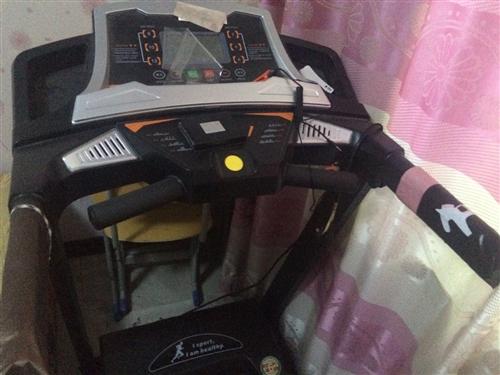 跑步机,基本没用,九成新,价格面议。