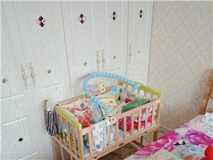 出售二手婴儿床 ,全新的一天没用 ,就放点东西,低价出售,电话15845167625
