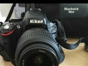 尼康单反相机D5100 ,9成新,快门4200次,原价4380,现1650出售,配件见图 电话187...