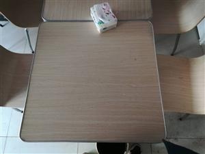 九成新桌子,四人桌和两人桌各三套