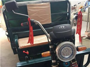 出售三轮车全新1200乘2000,双电机高配电瓶,双电机动力更强大,抵账回来的用不着,现低价出售78...