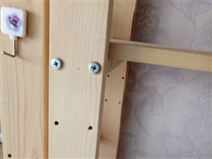 松木置物架,货架,花架,宽40,长1米,高一米八,共四层,每层间距可调动,九成新,现出售150/个,