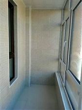 81平2室1厅已装修24万元