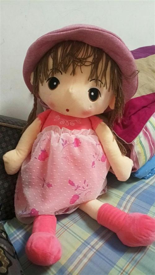 97cm的大娃娃,全新的,昨天晚上才從游樂場帶回來的,家里娃娃太多了,便宜出售