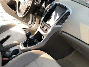 个人一手车2015年2月份英朗,天窗倒车影像,车窗一键升降无事故,有小剐蹭