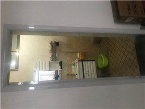 上海路南头向东50米路北3室1厅2卫20万元