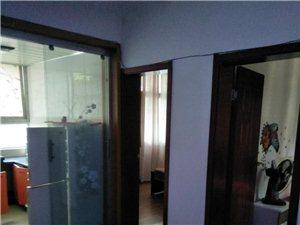 名堂对面2室1厅1卫800元/月