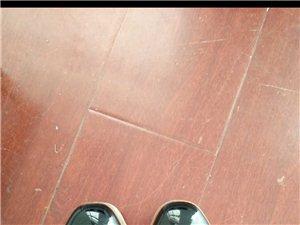 卓诗尼女鞋35码 原价138 现在100元转出 穿着显瘦显高 看中的私聊我