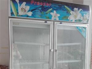 冷柜,八成新,高1.8 米,宽1.3米