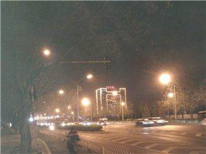 .....夜景城市�L光�o限私人健身