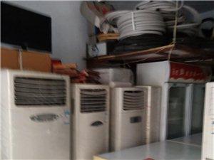 格力贵机空调八九成新售价每台2000