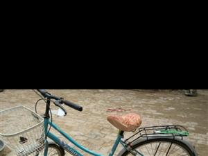 出售爱玛电车一辆价格面议,自行车一辆价格200