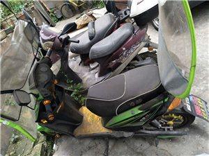 奇蕾爱玛电动车,全新无故障,只是骑了几次,由于本人不在苍溪居住,先低价出售