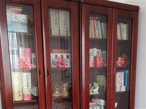 三兄弟书柜两组2米?1.6米,八九成新。可议价
