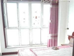 派顿时代广场2室1厅1卫1500元/月