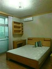 江南:世纪新村120平方米,2室2厅1卫,家具齐全,对外出租一个月1600,有意者联系我:21009...