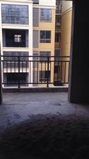 ??武装部对面小区有套毛胚房,三房两厅二卫一厨,楼梯房5楼126平方,南北通透,另外还送一层阁楼,房...