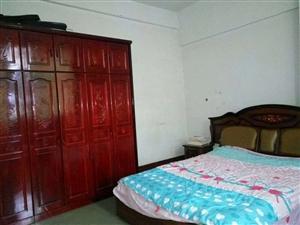 金海附近住房急卖,125平方左右,大3室,有需要的联系我13452532898