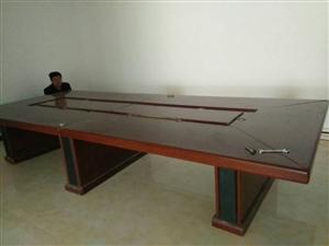 九成新家具售卖,会议桌估算4*2米(可重组简单),办公桌3*1.2米带侧桌(可重组),皮沙发321组...
