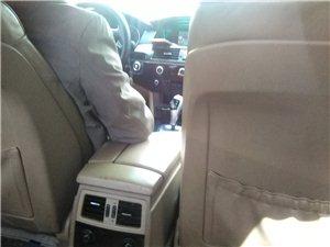 宝马车,车内空间大,超出一般的大,驾乘感觉舒畅。