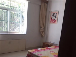 林美花园3室2厅1卫1500元/月