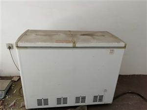 低价处置217L冰柜,质量杠杠的,给钱就卖。要的放松了,就这两天。