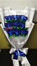 丝带玫瑰出售,本人纯手工制作,可接受预订,母亲节送妈妈最好的礼物。