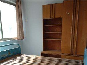 新兴旧货市场院内1室1厅1卫460元/月