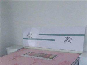 富贵花园3室2厅1卫1000元/月