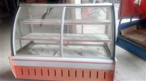 用了两个月的铜管冷藏柜,买的1600现不做生意了赔钱处理,饭店,蛋糕店,熟食店都能用,有需要的可以联...