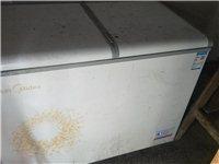 雙溫小冰柜,美的牌子冷凍加保鮮200升,用了剛好一年,買成1300多點,現在轉賣880元,蓋子經常放...