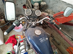 家里闲置的摩托车,现低价出售,有意了解详情者请与18737756691联系
