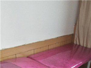 多个美容床出售,价格面议。。。是新的。多个全新美容床出售,价格合理,多间大中小房屋出租,价格面议。